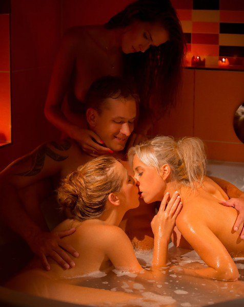 SexArt: Alexis Crystal, Alissia Loop, Carla Cox, Isabella Chrystin, Lena Love - The Game VIII Winner Takes All 1080p