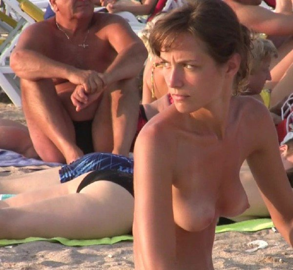 ILoveTheBeach: Amateurs - Beauties From The East 0827 720p