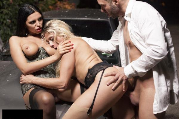 Drcel: Brittany Bardot, Kira Queen - 2 Hot HouseWives Fuck With Stranger 1080p