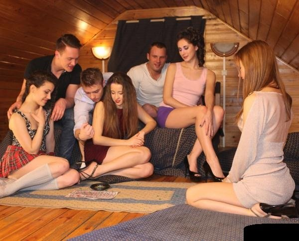 StudentSexParties: Stephany, Sabrina, Aruna, Izi - Real College Orgy 720p