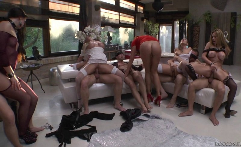 Private: Carolina Abril, Alexa Tomas, Lara De Santis, Kittina, Felicia Kiss, Subil Arch - Blindfolded Orgy 400p